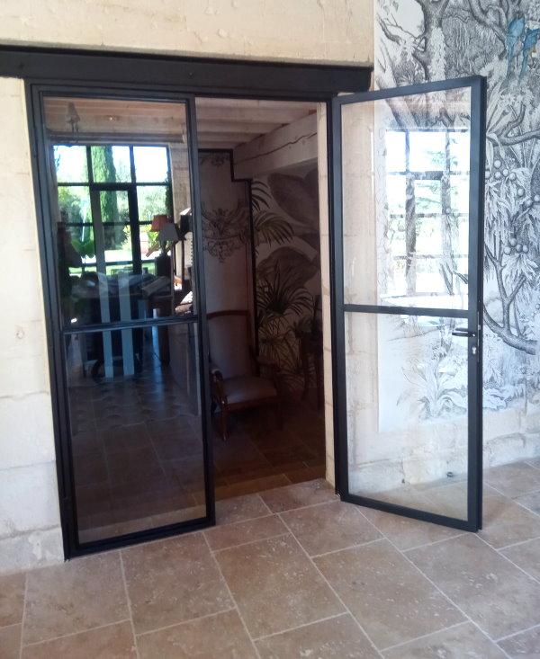Toufer metal verri re et porte vitr e de type industrielle for Porte vitree standard